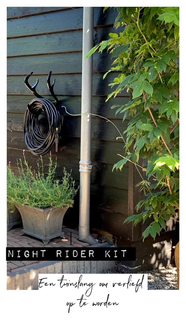 Yess, een zwarte tuinslang!